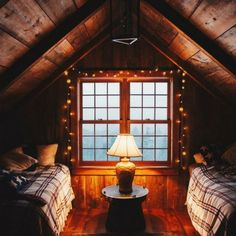 Log cabin living room decorating ideas cabin bedroom decor rustic cabin bedroom decorating ideas log home Attic Renovation, Attic Remodel, Cottage Design, House Design, Gym Design, Cabin Interior Design, Room Interior, Interior Ideas, Cabin Plans With Loft