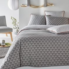 Issor Graphic Print 100% Cotton Duvet Cover La Redoute Interieurs With its geometric triangle print, the Issor bed linen offers understated contemporary style. Designed to be reversible to keep things fresh, the 100%...