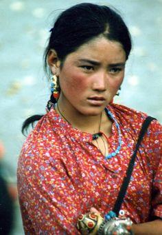 Asia | Beautiful Tibetan woman in Lhasa, Tibet