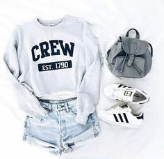 Hipster school outfits, hipster outfits for teens, summer outfits boho hipster, teenage outfits Hipster Outfits For Teens, Stylish Summer Outfits, Teen Fashion Outfits, Dresses For Teens, Cute Casual Outfits, Fashion Ideas, Trendy Fashion, Fashion Clothes, Ootd Fashion