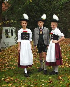 FolkCostume&Embroidery | Women's Costume of Miesbach region, Upper Bavaria, Germany