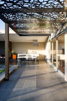 COS Design - Queen Street