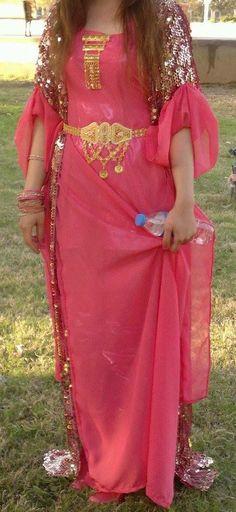 جوانة Jli Kurdi, Beautiful Outfits, Beautiful Women, Kurdistan, Oriental Fashion, Muslim Girls, Picture Poses, Traditional Outfits, Kurti