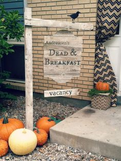 Dead and Breakfast - Halloween Door Decor at Provost Easy and fun front door Halloween decor from the Salty Bison girls. Holidays Halloween, Scary Halloween, Happy Halloween, Halloween Party, Halloween Stuff, Holiday Crafts, Holiday Fun, Favorite Holiday, Holiday Ideas