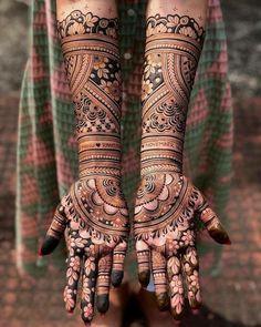 Rajasthani Mehndi Designs, Indian Henna Designs, Stylish Mehndi Designs, Full Hand Mehndi Designs, Dulhan Mehndi Designs, Pakistani Mehndi, Mehandi Designs Modern, Black Mehndi Designs, Indian Mehendi