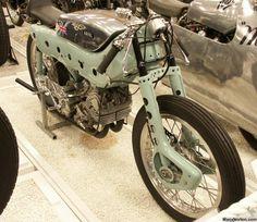 Ariel: Classic British Motorcycles of the British Motorcycles, Vintage Motorcycles, Cars And Motorcycles, Motorcycle Posters, Motorcycle Engine, Classic Bikes, Classic Cars, Classic Motorcycle, Road Racer Bike
