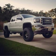 2016 GMC Sierra 1500 lifted