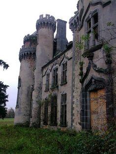 The Chateau de Bagnac is situated in the town of Saint Bonnet-de-Bagnac, Limousin, France. abandoned-france.org