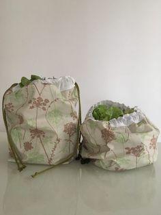 Salad bag to make yourself Octavie in Paris Coin Couture, Couture Sewing, Paris Couture, Knitting Blogs, Loom Knitting, Salad Bag, Bees Wrap, Diy Sac, Diy Handbag