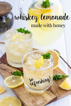 Whiskey lemonade made with homemade lemonade from freshly squeezed lemons sweetened with honey rather than sugar and mixed with a shot of whiskey. Its an easy cocktail to make refreshing and made in a pitcher so its easy to serve this cocktail to a crowd. Whiskey Lemonade, Honey Lemonade, Lemonade Cocktail, Cocktail Drinks, Cocktail Sauce, Bourbon Drinks, Jameson Whiskey Drinks, Lynchburg Lemonade, Mango Cocktail