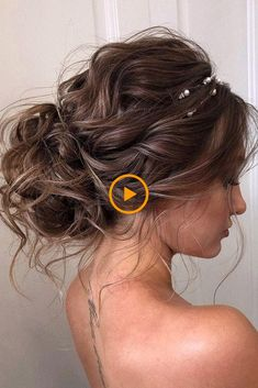 30 Wedding Hairstyles 2019 Ideas ❤️ We have collected wedding makeup ideas based on the wedding fashion week. Look through our gallery of wedding hairstyles Prom Hairstyles For Short Hair, Prom Hair Updo, Best Wedding Hairstyles, Pretty Hairstyles, Bridesmaid Hairstyles, Wavy Hairstyles Tutorial, Braided Hairstyles Updo, Down Hairstyles, Updo Hairstyle