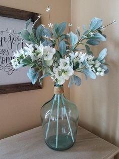 Floral Centerpieces, Vases Decor, Floral Arrangements, Farmhouse Table Centerpieces, Dining Room Centerpiece, Glass Jug, Vintage Vases, Vintage Items, Deco Floral