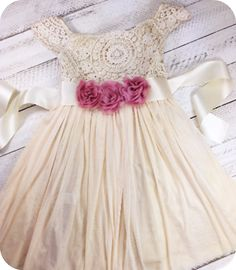 This dress is perfect for that little girl and those special occasions. Great quality and is running true to size. Great for Easter, birthdays, photo shoots, summer and spring.