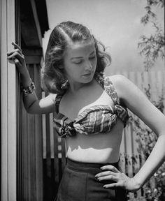 Photo by Nina Leen, 1944 - DIY bikini top