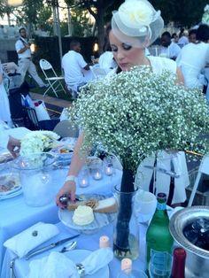 Diner en blanc: table setting, menu, & tips for attending!