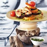 Mediterranes Ofen-Gemüse mit Lachs und Pesto @Brigitte