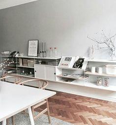 Living Room Inspiration, Interior Inspiration, Living Furniture, Furniture Design, String Shelf, Beautiful Interior Design, Minimalist Home, Home Living Room, Interior Decorating