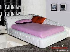 Pat de Colt Tapitat cu Piele Alba si Cristale - Dormitoare De Lux