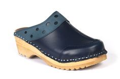 give you the freedom to choose your favorite color and get the sandal, boots and various clogs at minimum price deal.