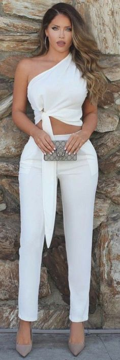 How To Style 41 Of The Most Adorable Spring Fashion Outfits https://www.ecstasymodels.blog/2018/04/09/spring-fashion-outfits/?utm_campaign=coschedule&utm_source=pinterest&utm_medium=Ecstasy%20Models%20-%20Womens%20Fashion%20and%20Streetstyle&utm_content=How%20To%20Style%2041%20Of%20The%20Most%20Adorable%20Spring%20Fashion%20Outfits