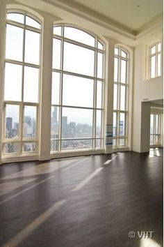 Elysian Chicago Penthouse – would quite like to live here. Love the windows.