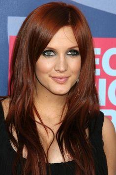 Auburn brown hair color. I love that color!!!!! Me quedara justo ese color si lo compro así mismo !!!!