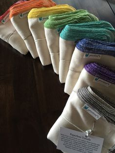 This listing is for a pack of 12 Paperless Towels in your choice of a bleached (white) or an unbleached (natural) fabric. You will also choose your own thread color from the 15 options available, or go for a variety of colors!  Made of one layer of 100% Birds-Eye Cotton, called that because of the diamond weave that resembles a birds eye. Known for its absorbency power and soft texture, it is a power-packed cloth that can take the role of almost any cloth in your home! Each towel measures…