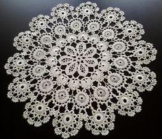 Srwetka koronkowa 11 w Koronkowy świat na DaWanda.com Crochet Collar Pattern, Crochet Doily Patterns, Crochet Motif, Baby Knitting Patterns, Crochet Doilies, Crochet Flowers, Crochet Lace, Flower Chart, Crochet Tablecloth