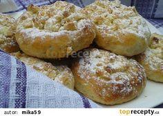 Povidlové koláčky z kynutého jogurtového těsta recept - TopRecepty.cz