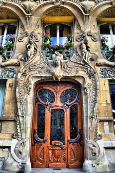 25 Most Beautiful Art Nouveau Architecture Design - Rockindeco This is so extra. There's so many layers and opulence going with this. Things are rounded out, and it looks like the sculpture is growing out of the doorway Architecture Design, Architecture Art Nouveau, Beautiful Architecture, Beautiful Buildings, Building Architecture, Paris Architecture, Architecture Company, Contemporary Architecture, Landscape Architecture