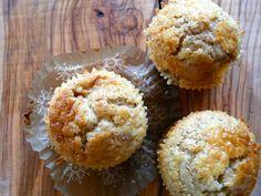 Muffin con pesche e rum vanigliato  http://profumodibroccoli.blogspot.it/2015/06/muffin-con-farina-integrale-e-pesche.html