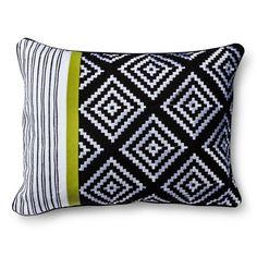 Mudhut™ Isela Tribal Decorative Pillow - Black/White