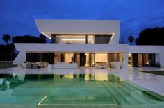 Outdoor Design, Large Glass Wall For Luxury Modern Home With Amazing Pool Design: Luxury Modern Homes with Small Pools for Unbelievable Decoration