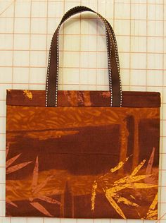 Lazy Girl Designs  » Tutorial: Make Our 1 Yard, 1 Hour Free Tote Bag Pattern For Last Minute Holiday Gift Bags