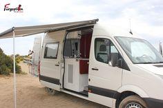Toldo Thule Omnistor 6200 para la furgoneta Volkswagen Crafter. www.furgoplon.com