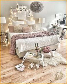 Inspiring bedroom ideas for teenagers you&#;ll love... Dream Bedroom, Home Bedroom, Bedroom Furniture, Bedroom Ideas, Bedroom Rustic, Log Furniture, Bedroom Designs, Open Family Room, String Lights In The Bedroom