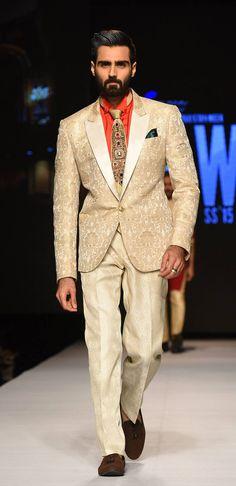 Amir Adnan. Shahzadeh Collection at Telenor, Spring-Summer 2015 (Pakistan fashion week)