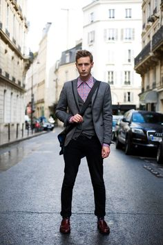 Rive Gauche, Paris | The Sartorialist Grey Jacket Black Pants, Black Pants Outfit, Blazer Outfits Men, Gray Vest, The Sartorialist, Dapper Suits, Mens Suits, Suit Men, Mens Fashion Blog