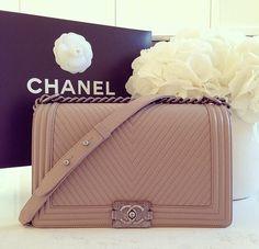 6db663c1e3df xoxo TAN CLUTCH! Chanel Handbags, Purses And Handbags, Tan Clutch, Clutch  Wallet