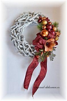 Vánoční věnec na dveře - věnec z větviček, šedá patina - oranžová, bordová