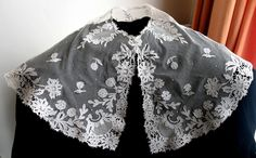 Antique EDWARDIAN circa 1900 TAMBOUR Tulle LACE Ornate English Collar/Capelet