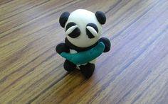 Oso Panda feito en Jumping Clay por un neno de 4 anos.
