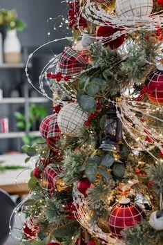 30 Christmas Ideas In 2021 Christmas Decorations Christmas Diy Red Christmas Decor