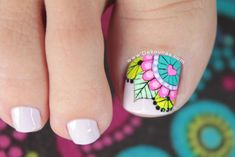 Pedicure Designs, Manicure E Pedicure, Toe Nail Designs, Feet Nail Design, Pretty Toe Nails, Mandala Nails, Summer Toe Nails, Magic Nails, Feet Nails