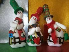 FELTRO MOLDES ARTESANATO EM GERAL Christmas Baubles, Christmas Snowman, Christmas Humor, Christmas Decorations, Felt Snowman, Snowman Crafts, Felt Crafts, Snowmen, Christmas Projects