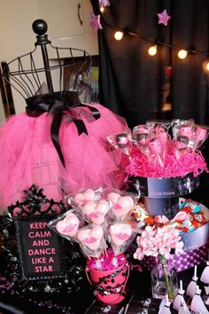 Selena Gomez Rock Star birthday party with So Many Cute Ideas via Kara's Party Ideas | Cake, desserts, cupcakes, favors, games, and MORE! KarasPartyIdeas.com #rockstarparty #selenagomez #danceparty #partyideas #partystyling #eventplanning #eventstyling (12)