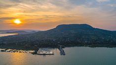 Az északi part elképesztő tanúhegyei a Balaton kékeszöld színű víztükrével, szőlő ültetvényeivel, klasszikus, képeslapra illő látkép tárul elénk! Tarot, River, Outdoor, Outdoors, Outdoor Games, Outdoor Life, Rivers, Tarot Decks