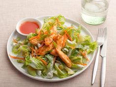 Buffalo Chicken Salad - Delicious and Healthy #Buffalo, #Chicken, #Chikensalad, #Eatingright, #Recipe, #Salad | http://www.thehealthology.com/2015/12/02/buffalo-chicken-salad-delicious-and-healthy/