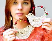 Articoli simili a a mano decorazioni di Natale ornamento Neon natale pace e amore su Etsy
