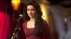 Here in this article you will know about shraddha kapoor height, weight, age, shraddha kapoor figure and shraddha kapoor income per movie.